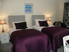 twin room accommodation in Edinburgh