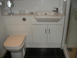 private shower room at Cherrytrees B&B, Edinburgh